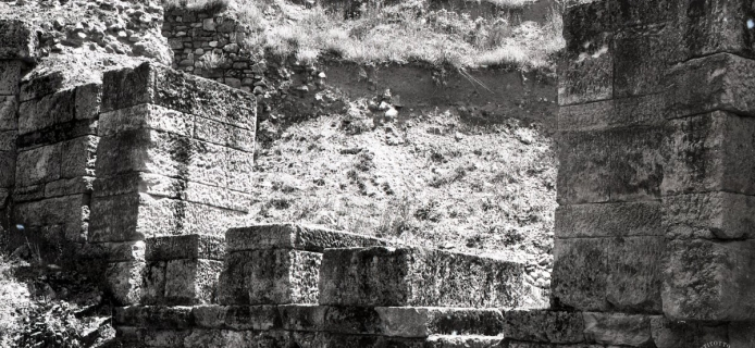 84-53-003 Amphipolis: general view of the N walls discovered by the Greeks