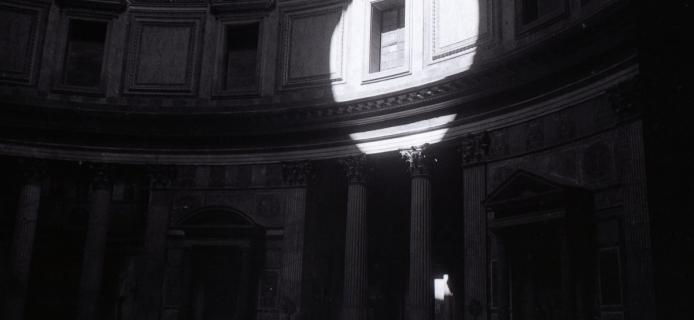 88-18-011: Rome, Pantheon, view of the interior of the drum with sunlight shining in